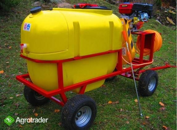 Opryskiwacz spalinowy wózkowy zbiornik 200L, silnik 6,5 HP, 14-22l/min - zdjęcie 1