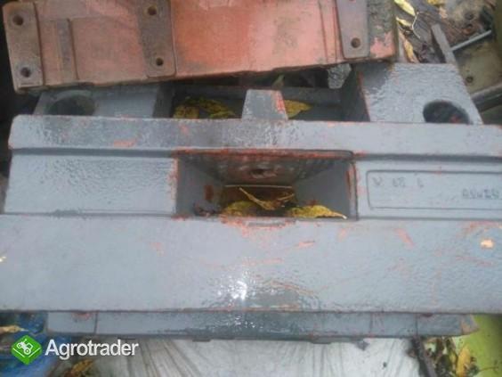 Wspornik,podstawa, mocowanie obciążników Renault 110,14 120,54 110,54 - zdjęcie 1