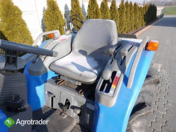 Iseki Sial 21 4x4 wspomaganie kierownicy ładowacz czołowy TUR  - zdjęcie 4